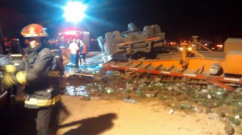 Choque de camiones en autopista