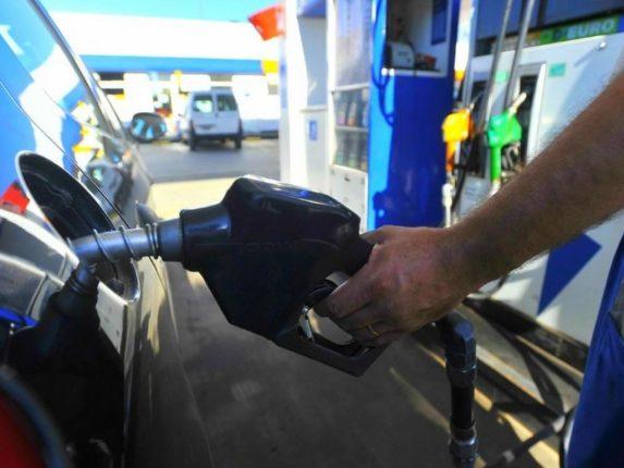 Combustibles: vuelve a subir: entre un 5 y 8%