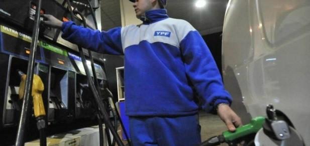 Combustibles: baja la nafta sube el gas oil