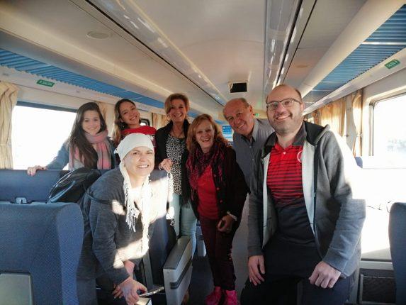 Siete pasajeros ya están viajando en tren